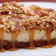 Caramel Apple Crumble Cheesecake