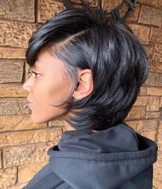 Short hair inspiration for black women with straight or curly hair. #shorthair Girls Short Haircuts, Short Hairstyles For Thick Hair, Asymmetrical Hairstyles, Short Hair Styles Easy, Black Women Hairstyles, Short Hair Cuts, Medium Hair Styles, Cool Hairstyles, Natural Hair Styles