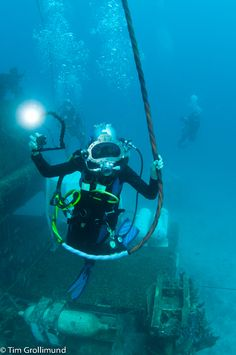 Mission Aquarius Training day 4: Aquanauts and umbilicals.   Photo courtesy of Tim Grollimund