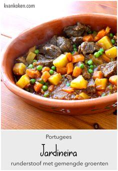 Jardineira – Portugese runderstoof met groenten – De K van Koken Tapas, Slow Cooker, Portugal, Cooking Recipes, Food, Bib Overalls, Chef Recipes, Essen, Eten