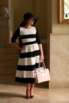Chic Lady Dress (Black)