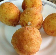Recipe homemade potato dumplings with cheese Tapas, Empanadas, Deli Food, Recipes Appetizers And Snacks, Colombian Food, Salty Foods, Albondigas, Caribbean Recipes, Latin Food
