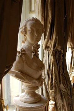 busts in decor - Google Search