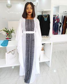 White lace kaftan dress/ white kaftan maxi dress with lace design/ plus size kaftan dress. Long African Dresses, African Lace Styles, African Print Dresses, African Fashion Dresses, African Attire, African Wear, White Kaftan, Modest Dresses, White Lace