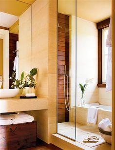 Baño con bañera y ducha juntas