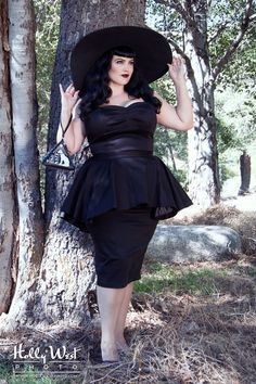 Deadly Dames Plus Size Glamour Ghoul Dress in Black Twill