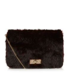 This luxurious faux fur clutch is perfect for working evening glam with a Hollywood vibe. #newlookfashion #fur #itbag