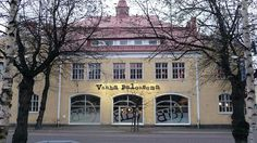 Vanha Paloasema (580×326) My Town, Finland, Mansions, House Styles, Places, Beautiful, Fancy Houses, Mansion, Manor Houses