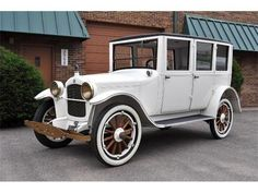 1923 Hupmobile Maintenance of old vehicles: the material for new cogs/casters/gears/pads could be cast polyamide which I (Cast polyamide) can produce