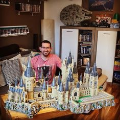 LEGO Hogwarts Castle Custom Extension. Made using 24961 parts 5105 pages of instructions and 62 hours building time! Photo by @manuel_186 Designer: @ryankroboth Instructions: @playwell_bricks Follow @brickinspired for more #LEGO inspiration! #brickinspired Lego Hogwarts, Amazing Lego Creations, Time Photo, Bricks, Castle, Building, Inspiration, Design, Biblical Inspiration