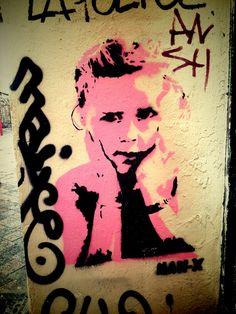 "Unknown ""man-x"" - street art - Marseille 6, rue pastoret (aout 2014)"