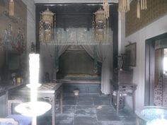 Empress Dowager Cixi's 慈禧太后 bedroom in the Forbidden City. Chinese American, American History, Empress Dowager Cixi, Summer Palace, The Empress, Museum Exhibition, Qing Dynasty, Vintage China, Good Old