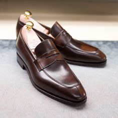 c57e8fe76f8 Introducing our staple 10082 Penny loafers featuring our new leather  vocalou demasquable from Tannerie d