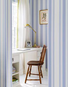 Farrow & Ballcornflower-blue wallpaper brightens up the master…