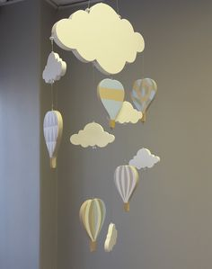 If your little adventurer's heart is set on the sky, our Hot Air Balloon wooden mobile is perfect for any neutral, adventurer nursery!