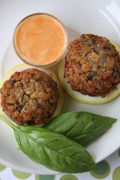 Oliven für Abendessen   Vegan Crab Cakes von Jeff und Erin pics, via Flickr