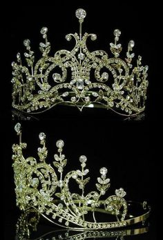 A jewel of great sentimental value to the Danish Royal Family is the diamond and platinum Cartier tiara of Crown Princess Margarita of Sweden. Description from earth-god.ru. I searched for this on bing.com/images