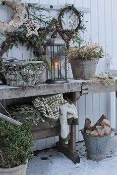 Christmas Garden, Nordic Christmas, Christmas Porch, Primitive Christmas, Outdoor Christmas Decorations, Country Christmas, Winter Garden, Xmas, Christmas Images