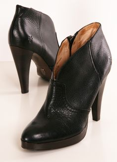 Frye Harlow black booties