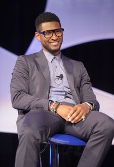 Usher:Luv The Glasses,why glasses or Trendier than ever!Finally people accept that you don't have to make a stigma of something you need