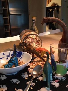 Dinosaur Photo, How To Eat Better, Kids Corner, Holiday Traditions, Birthday Fun, T Rex, Preschool Activities, Elves, Dyi