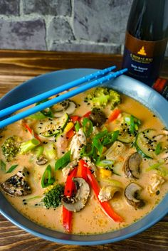 Red Thai-Curry-Kokos Suppe # easy meals with hamburger meat Healthy Meat Recipes, Meat Recipes For Dinner, Hamburger Meat Recipes, Healthy Eating Tips, Beef Recipes, Soup Recipes, Salad Recipes, Vegetarian Recipes, Supper Recipes