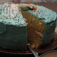 Rührteig glutenfrei - Dieser Teig für Kuchen, Muffins oder Cupcakes ist glutenfrei und enthält eine ungewöhnliche Zutat: Mayonnaise. Sie macht den Teig besonders locker. Der Kuchen kann als 2 Böden in Springformen gebacken und dann mit Sahne und Obst etc. gefüllt werden. @ de.allrecipes.com