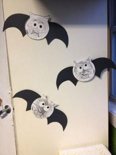 Cute Bat craft for kids , easy halloween craft ideas by dona