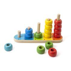 Jeu d'éveil en bois consistant à empiler 15 anneaux sur des tiges en bois. Ce jeu d'éveil va stimuler la motricité fine, la coordination oeil main, l'adresse mais aussi la concentration de l'enfant. Il permet d'apprendre les premiers dénombrements.