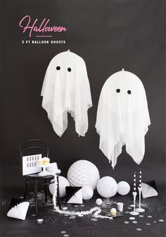 DIY Giant Balloon Ghosts for Halloween Soirée Halloween, Halloween Drinks, Halloween Birthday, Diy Halloween Decorations, Holidays Halloween, Halloween Costumes For Kids, Halloween Inspo, Helloween Party, Giant Balloons