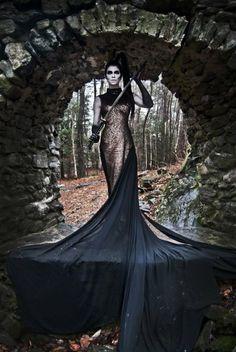 Love this perfect Mortal Combat vampire princess at battle costume and makeup