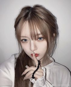 Uzzlang Girl, Hey Girl, Kpop Aesthetic, Aesthetic Girl, Korean Girl, Asian Girl, Cute Girls, Cool Girl, Cute Makeup