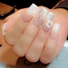 American mani coffin nails with flower and gems Glam Nails, Fancy Nails, 3d Nails, Cute Nails, Pretty Nails, Coffin Nails, 3d Nail Art, Perfect Nails, Gorgeous Nails