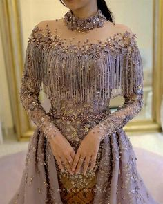 Hooded Printed Coat - Buy Online Dress - As imagens podem conter uma ou mais pessoas e pessoas em pé arbend Kleider Stylish Dresses, Elegant Dresses, Beautiful Dresses, Indian Designer Outfits, Designer Dresses, Party Wear Dresses, Prom Dresses, Couture Dresses, Fashion Dresses