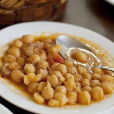 Easy Turkish Chickpea Stew: Turkish chick pea stew can be prepared with or without meat. Serve it with white rice pilaf.