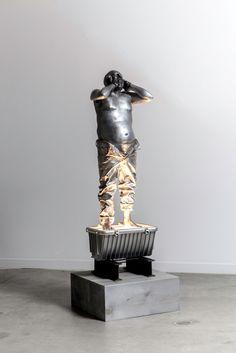 Bernardi Roig | Father petit (aluminum) | 2016 | Aluminium, wood and light | 152 x 37 x 49 cm | Courtesy MLF Marie-Laure Fleisch (Rome – Brussels) and the artist