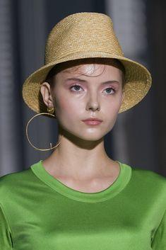 Il cappello trilby - ELLE.it 3c7e54934bc0