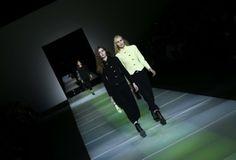 Fashion-Week Mailand: Mode von Giorgio Armani. Mehr zur Mailänder Modewoche: http://www.nachrichten.at/nachrichten/society/Generationswechsel-auf-Italienisch;art411,1314605 (Bild: Reuters)