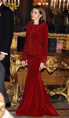 January 2009 - We Dare You to Find One Flaw in Queen Letizia of Spain's Outfits - Photos
