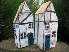 Ideas and Inspirations: Schwedenhäuser 2 * Sweden homes Wooden diy - Wooden crafts - Wooden toys - W Scrap Wood Crafts, Wooden Projects, Wooden Crafts, Clay Houses, Miniature Houses, Wooden Houses, Sweden House, Glitter Houses, Logs