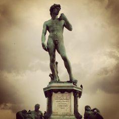You can see this statue of David in Piazzale Michelangelo in Florence Italy… Le Vatican, Spring Break 2015, Cities In Italy, Free Museums, Traveling Tips, Visit Italy, Free Things To Do, Florence Italy, Venice