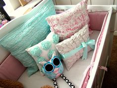 Gorgeous pillows and links to tutorials