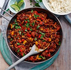 This delicious Slimming World version of the Tex-Mex classic is made lighter with lean ground beef, lots of veggies and plenty of spice.