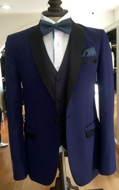 #Novios#esmoquin azul#bodas#vintage#recomendado#slimfit#hecho a medida