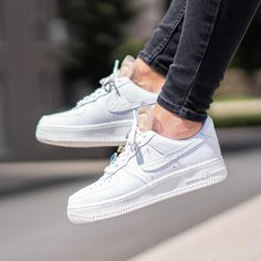Release Date : July 11, 2020 Nike Air Force 1 '07 LX « Bling » Credit : 43einhalb — #nike #airforce #sneakerhead #sneakersaddict #sneakers #kicks #footwear #shoes #fashion #style Nike Outfits, Sneaker Outfits, Converse Sneaker, Puma Sneaker, Nike Air Force, Air Force Shoes, Air Force 1, Latest Sneakers, Sneakers Mode
