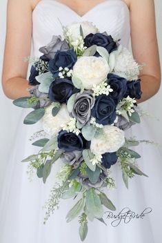 Blue Flowers Bouquet, Bridal Bouquet Blue, Navy Wedding Flowers, Cascading Wedding Bouquets, Bride Flowers, Bride Bouquets, Flower Bouquet Wedding, Navy Blue Flowers, Navy Bouquet