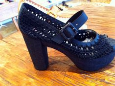 Unleashed Spring 2011 – Crochet Shoes