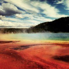 Grand Prismatic pool... Yellowstone is amazing!