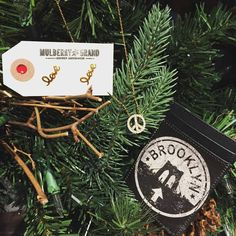 We love teaming up with our brother store, Studio Manhattan for all of our leather good wishes!  #leathergoods #studiomanhattan #jewelry #leather #gold #earrings #bracelet