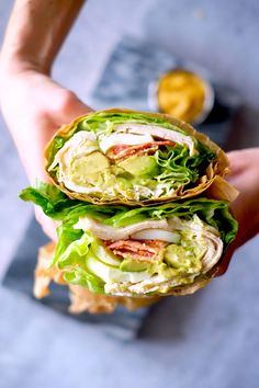 Cobb Turkey Lettuce Wraps, Yes you can still have your sandwich and eat lower carb; With these Cobb Turkey Lettuce Wraps! Turkey Lettuce Wraps, Turkey Wraps, Turkey Salad, Bacon Avocado, Chicken Avocado Wrap, Clean Eating Snacks, Clean Eating Recipes, Healthy Eating, Salads
